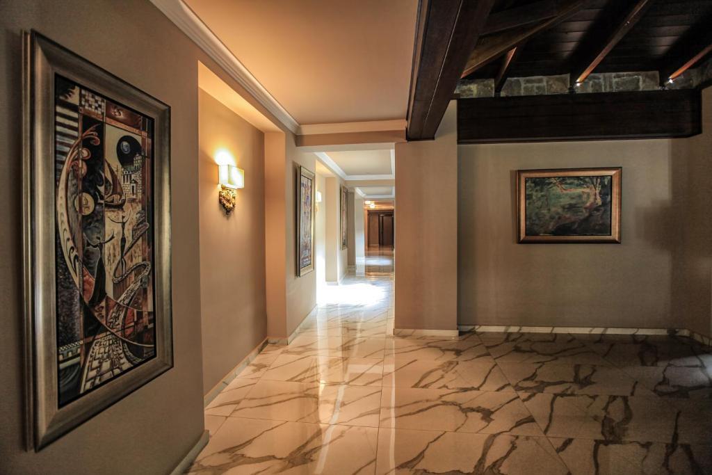 Grand Meteora Hotel