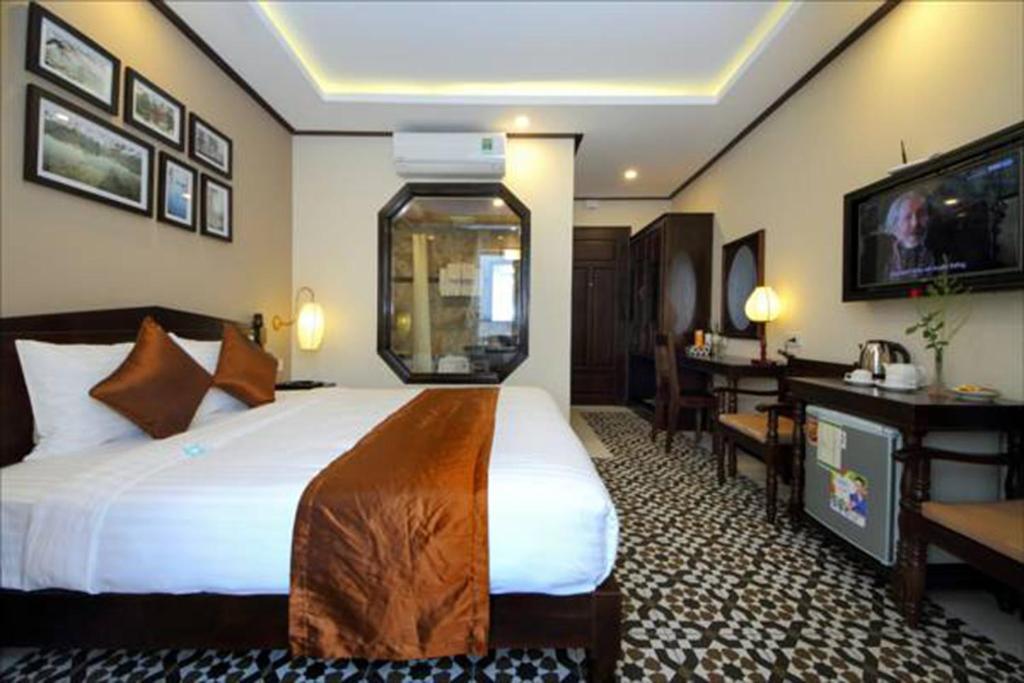 Phòng Giường Đôi Cổ điển có Bồn tắm