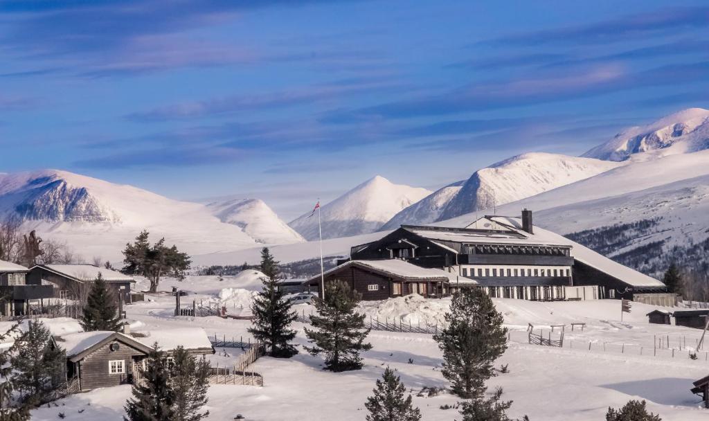 Hotel Rondablikk during the winter