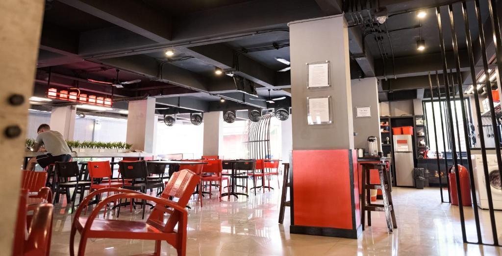 ห้องอาหารหรือที่รับประทานอาหารของ โซโฮสเทล