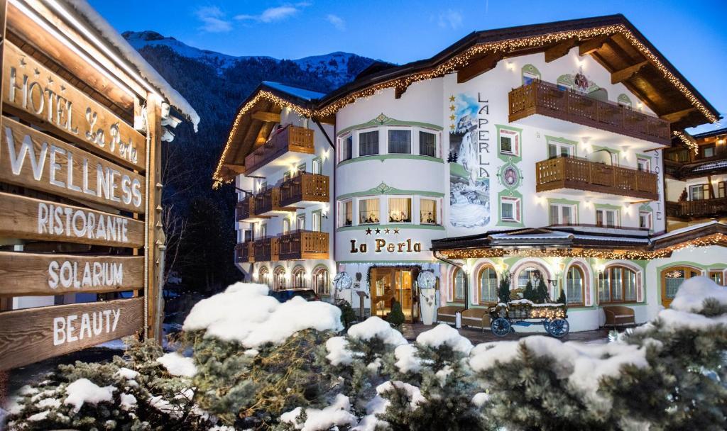 Hotel La Perla בחורף