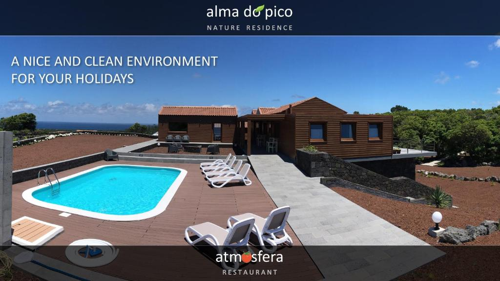 A view of the pool at Alma do Pico or nearby