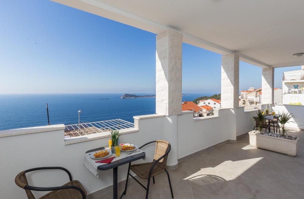 A balcony or terrace at Apartments Doris
