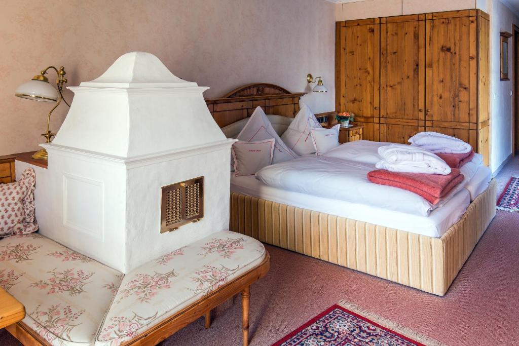 Ein Bett oder Betten in einem Zimmer der Unterkunft Lahntalhotel Feudingen