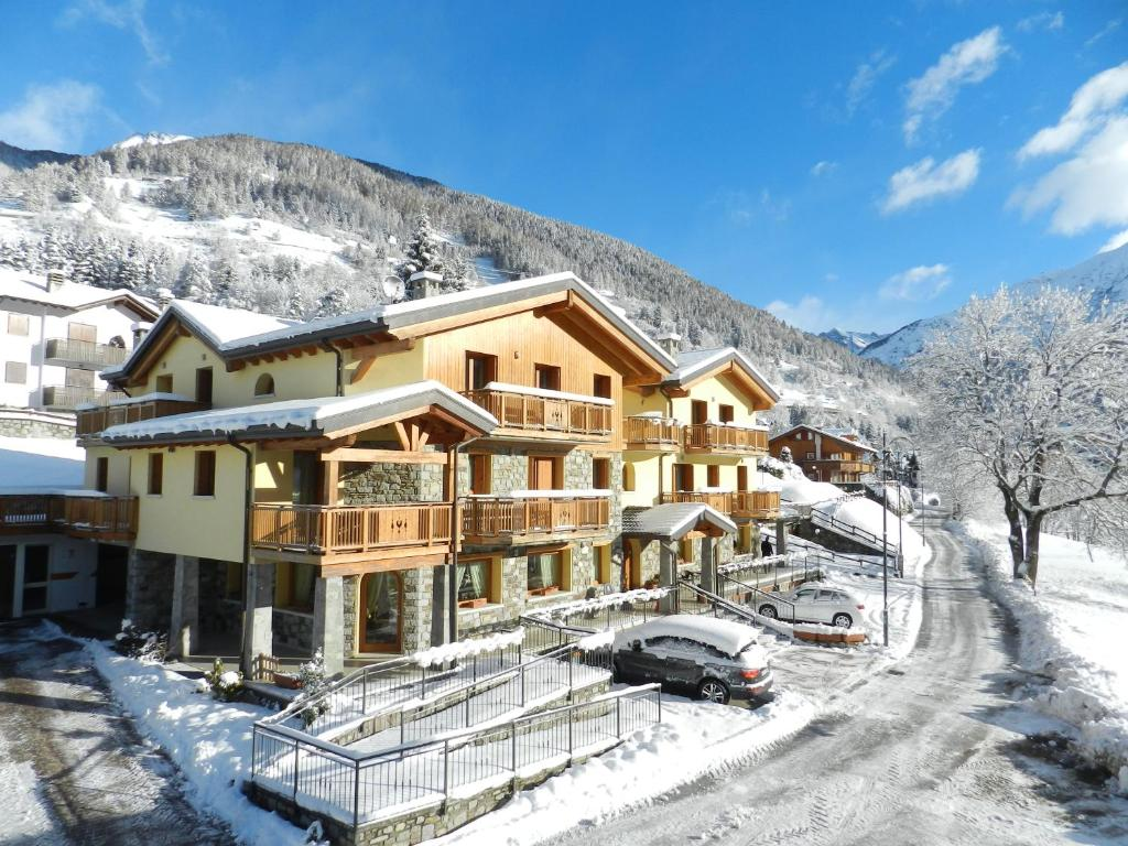 Residence Hotel Raggio Di Luce during the winter