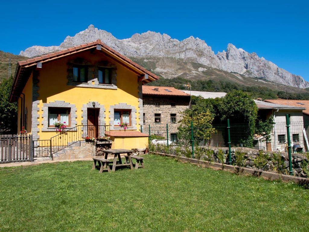 Casa de campo Casa El Cartero (España Soto de Valdeón ...