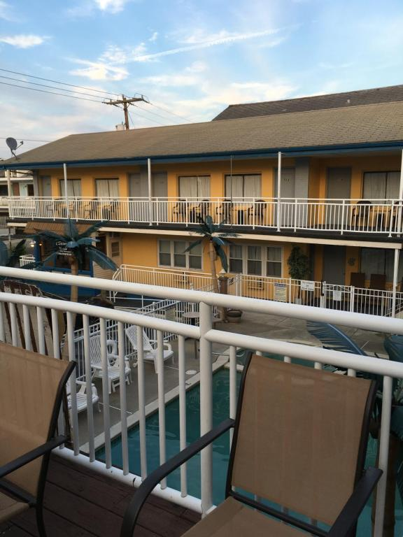 A balcony or terrace at Twilight Motel