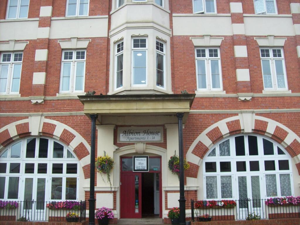 Albion Guest House Apartments Pembroke Dock Updated