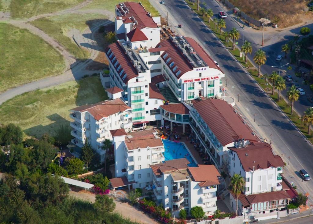 Een luchtfoto van Merve Sun Hotel & SPA