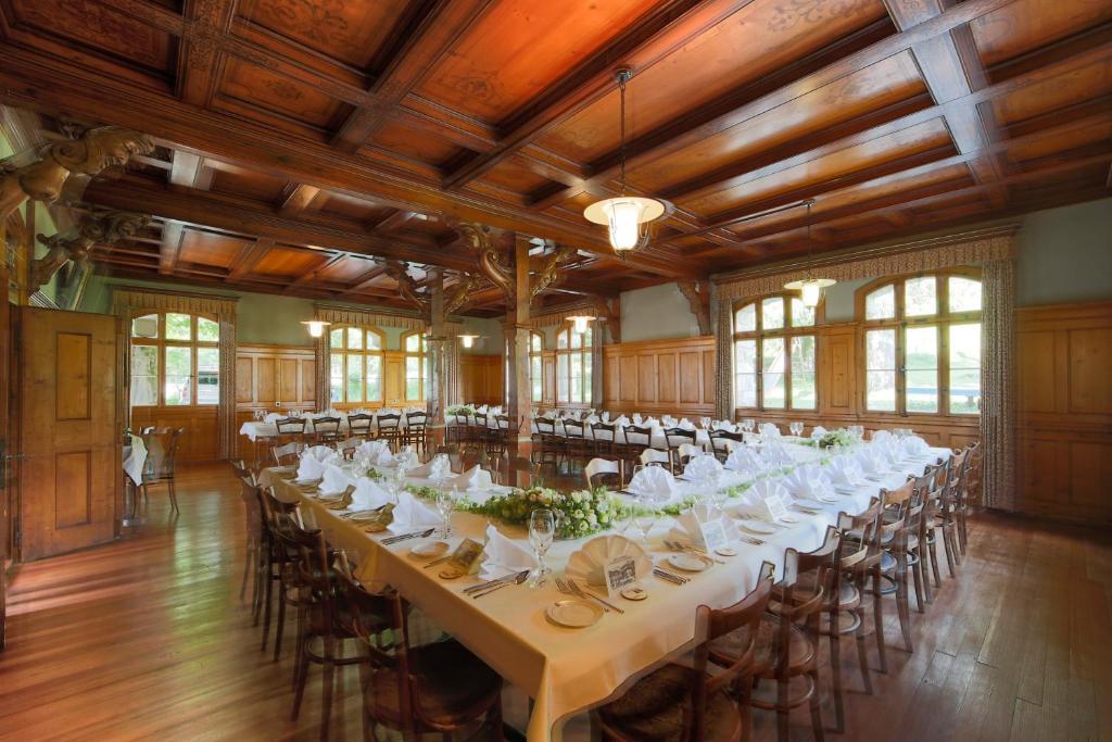 Restaurant ou autre lieu de restauration dans l'établissement Hotel Posthaus Urigen