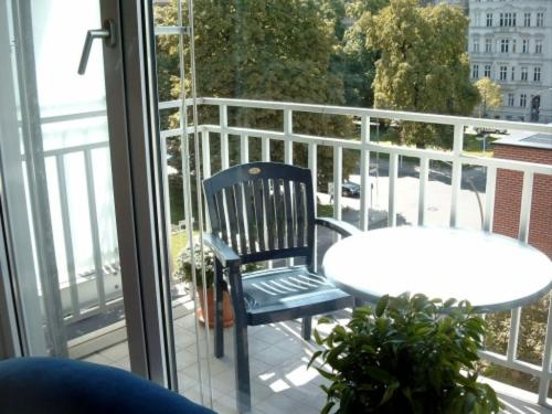 A balcony or terrace at TopDomizil Apartments Berlin Mitte