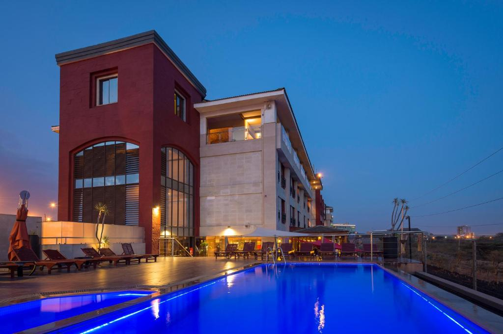 The swimming pool at or near Ole Sereni