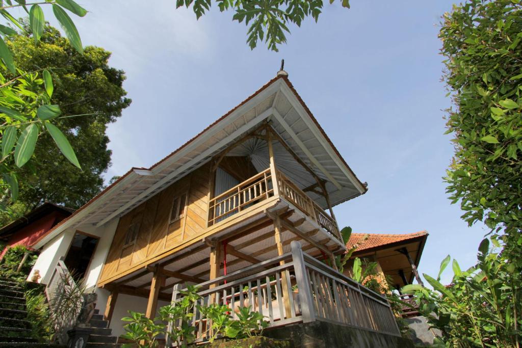 O edifício onde o aldeamento turístico está situado