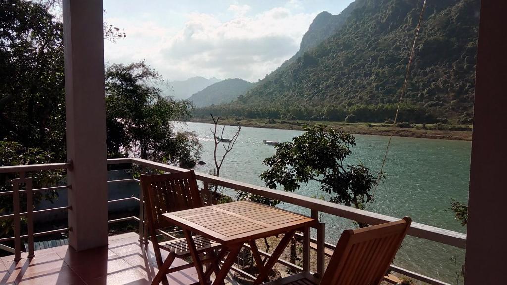 Phong Nha River House