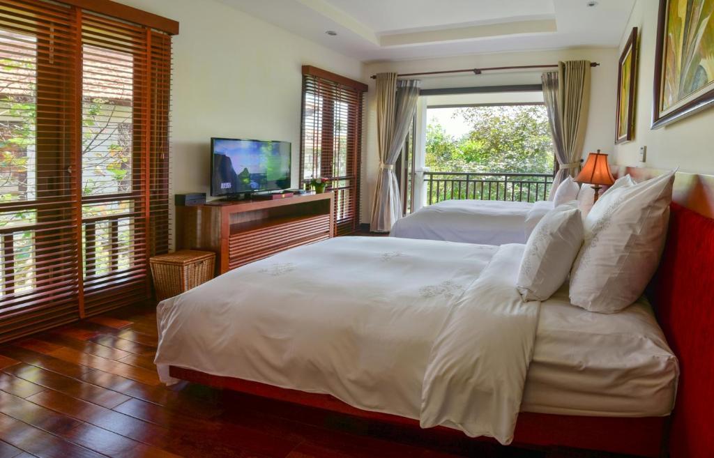 Biệt thự 3 Phòng ngủ Nhìn ra Hồ bơi