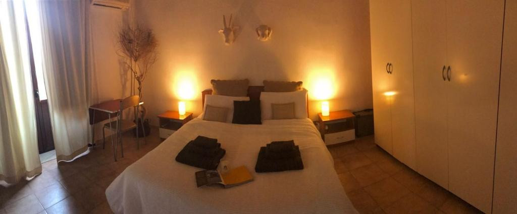 A bed or beds in a room at A Casa Di Gio