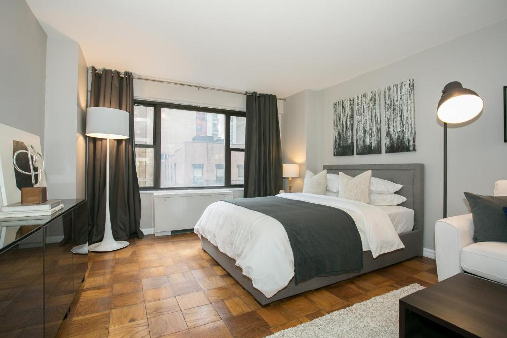Modern Studio Apartment - Midtown East L, New York ...