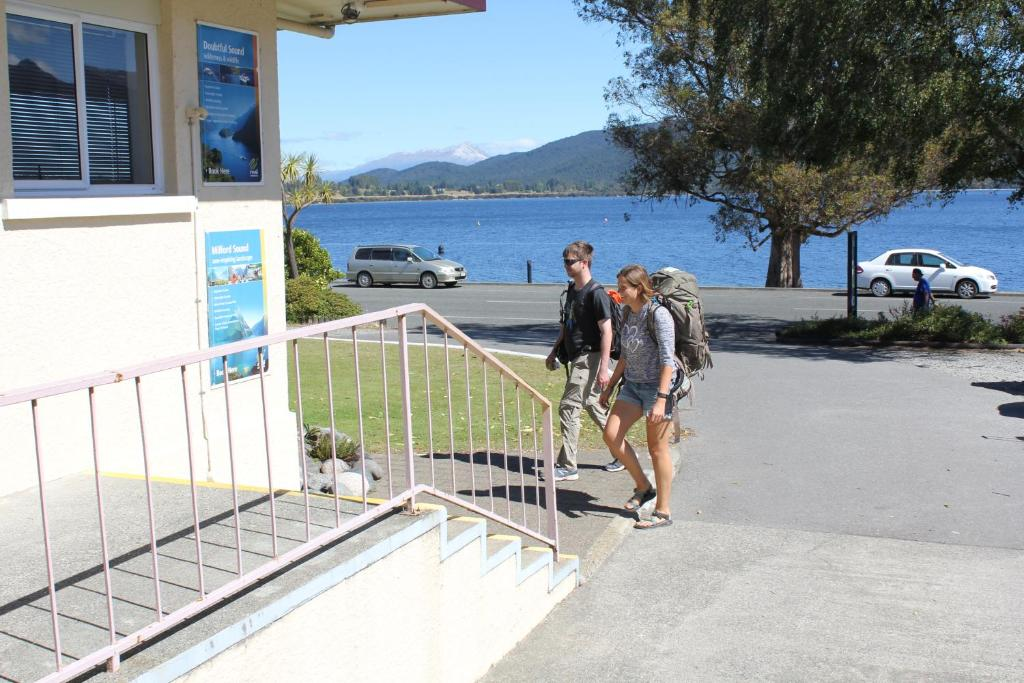 Guests staying at Te Anau Lakefront Backpackers
