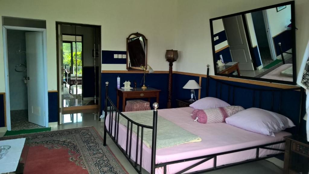 A bed or beds in a room at Villa Bella