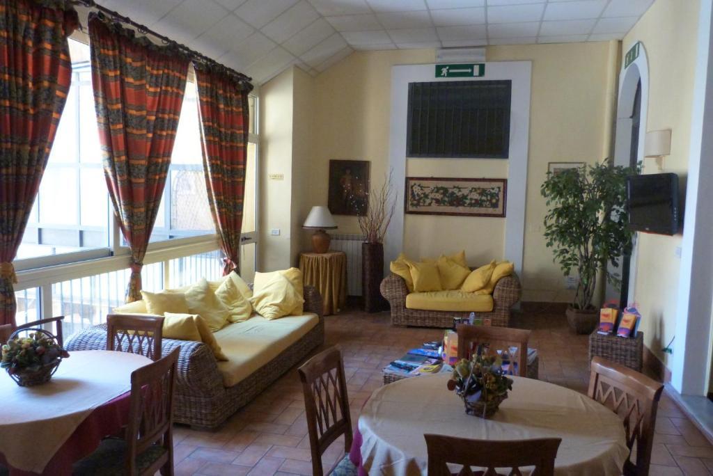Area soggiorno di Hotel Etnea 316