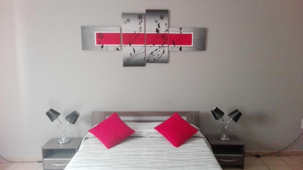 Un ou plusieurs lits dans un hébergement de l'établissement Luxury Room in the South Malta