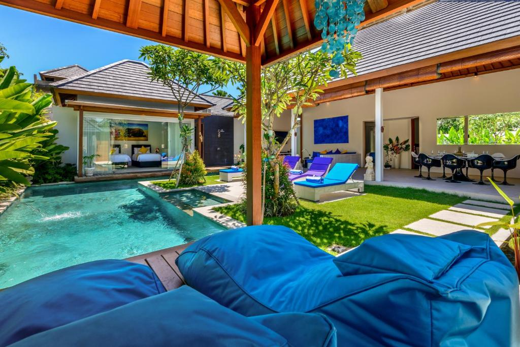 The swimming pool at or close to Villa Ley