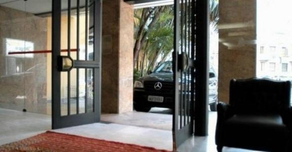 The facade or entrance of Duque Center Hotel Residence