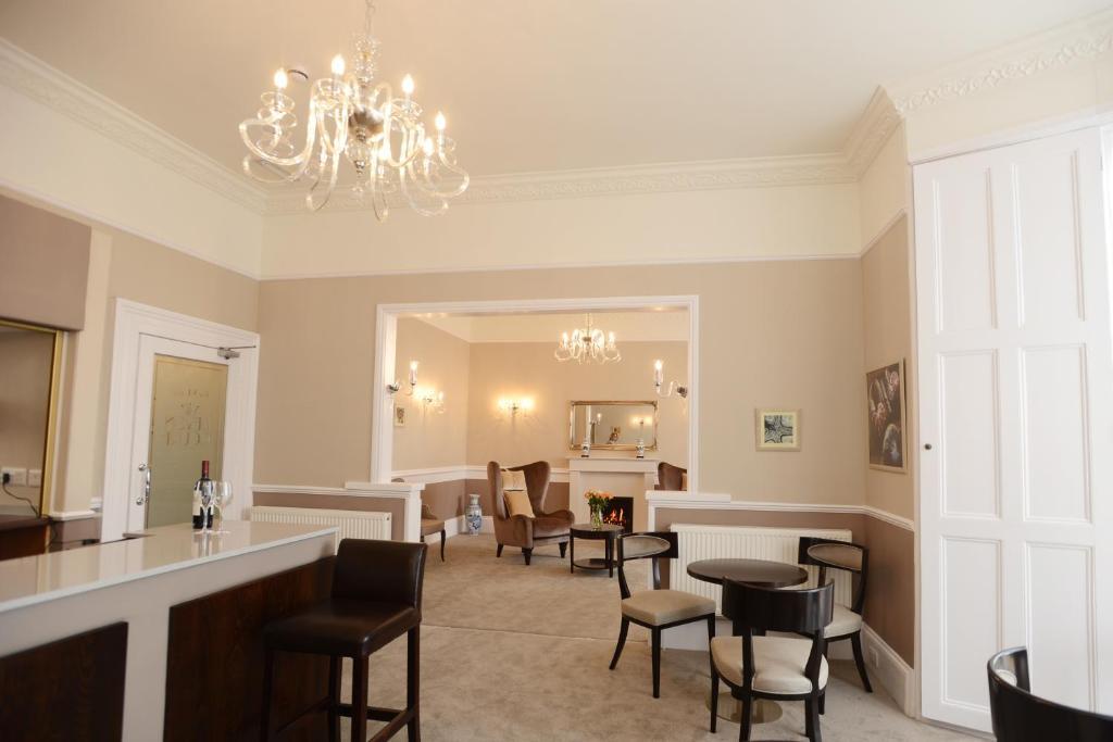 Devon Court Hotel