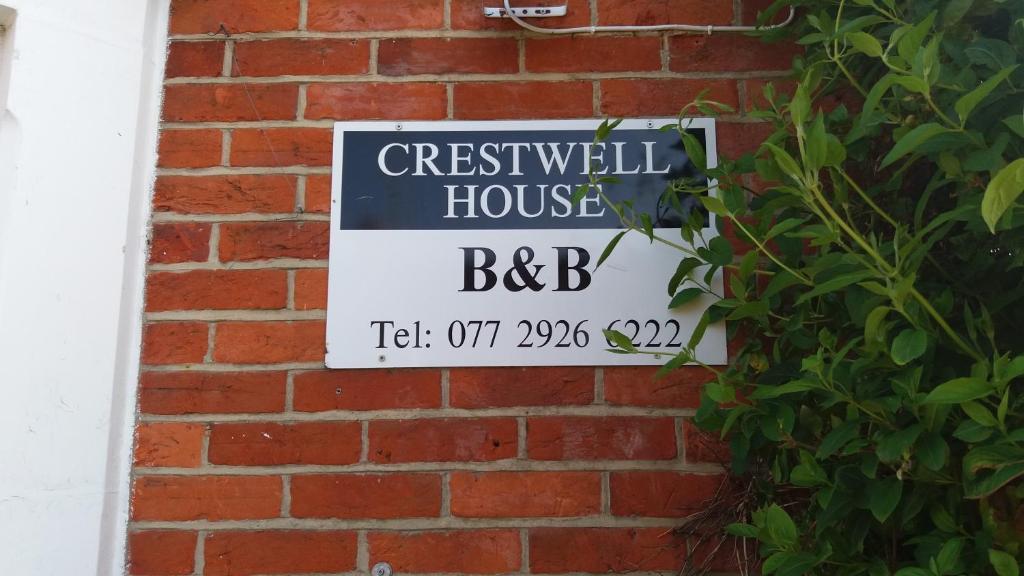 Crestwell House