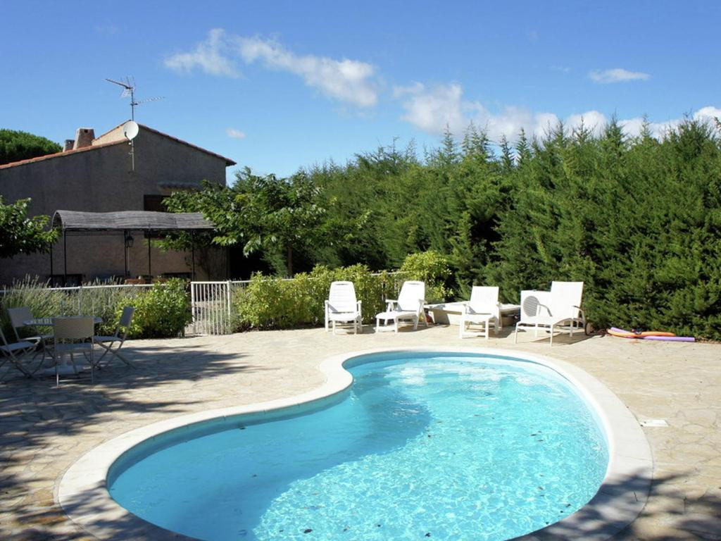 The swimming pool at or near Charming Holiday Home in Regusse, Provence with Terrace