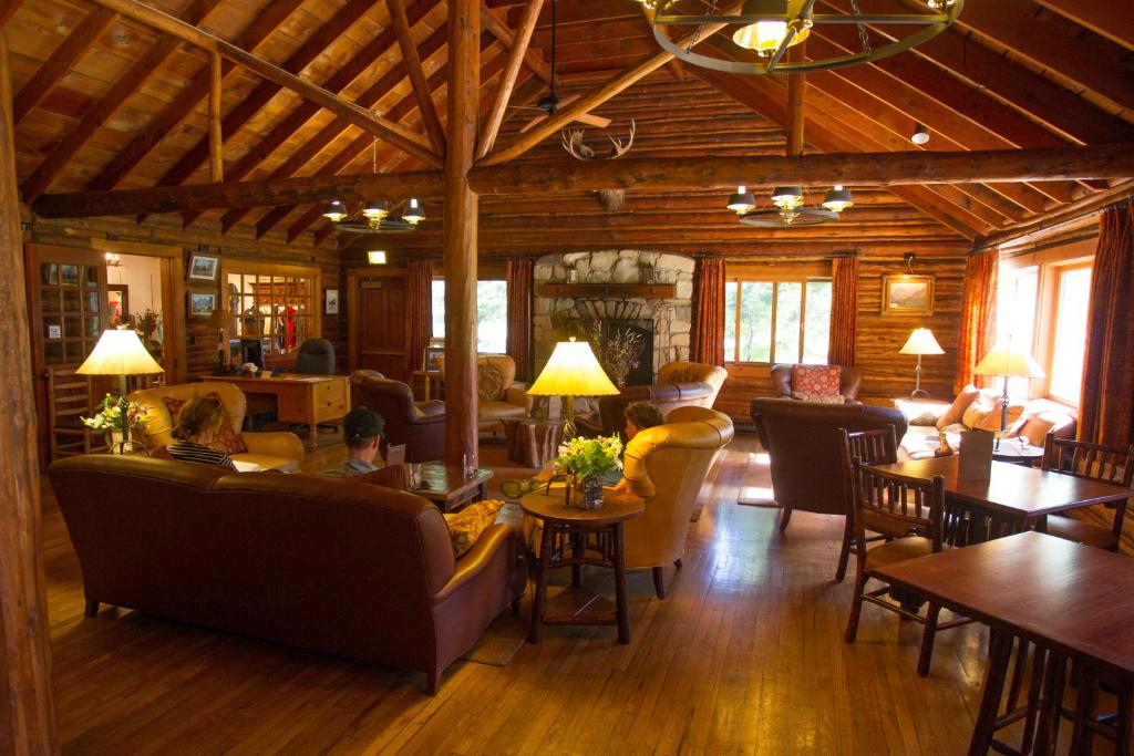 A restaurant or other place to eat at Jenny Lake Lodge