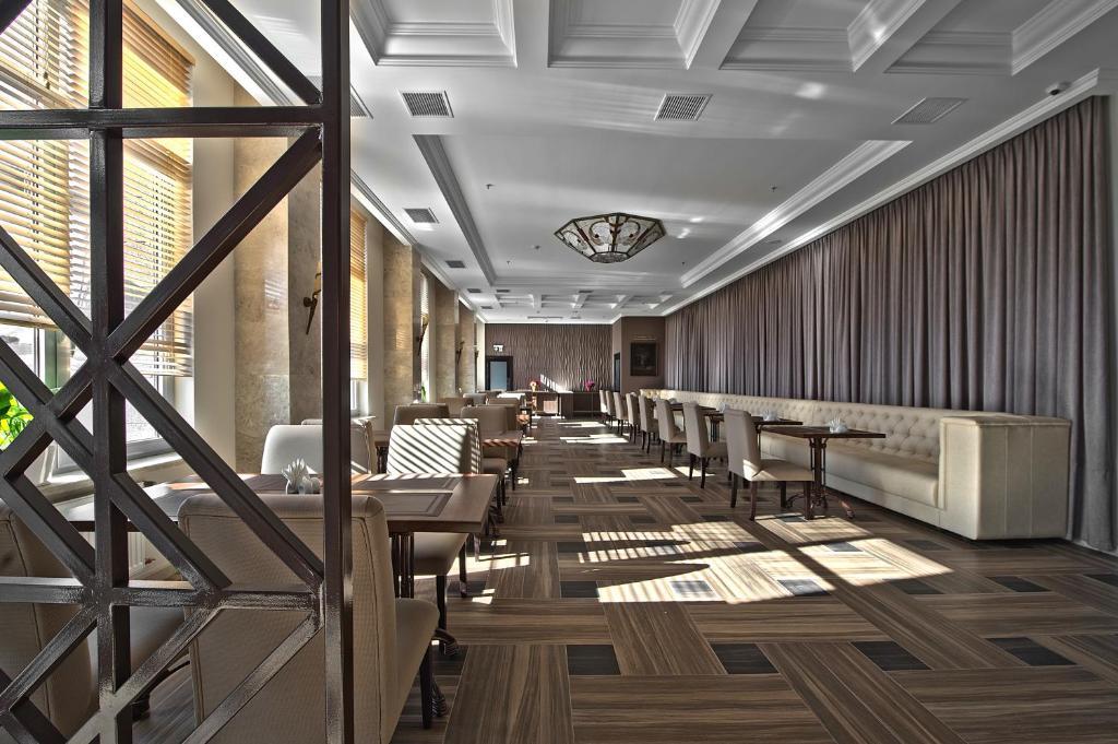 Ресторан / где поесть в Ramada by Wyndham Rostov-on-Don Hotel and Spa