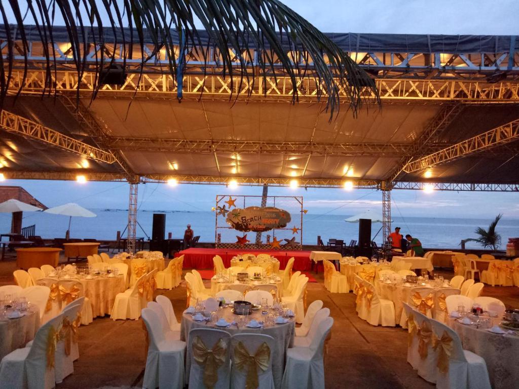 Khách Sạn Cánh Buồm Vàng(Golden Sail)