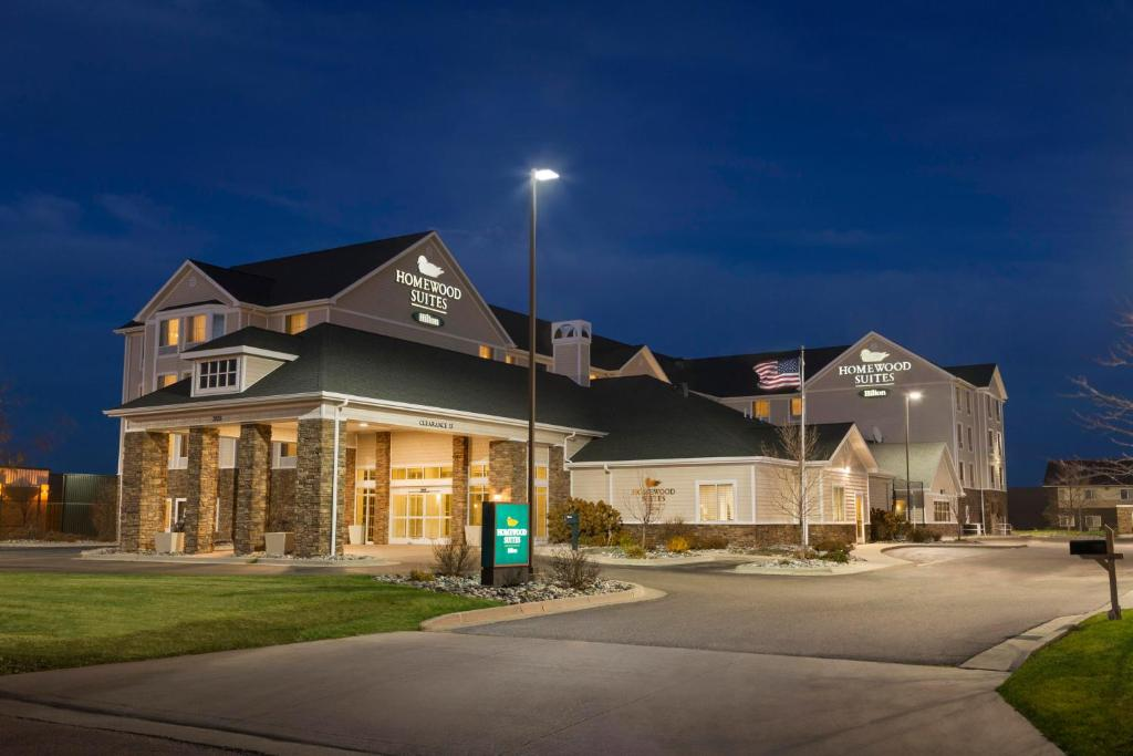 Homewood Suites by Hilton Fargo.