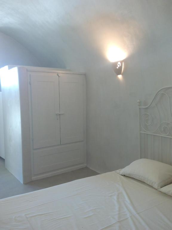 Traditional Studio In A Castle Emporio Santorini With