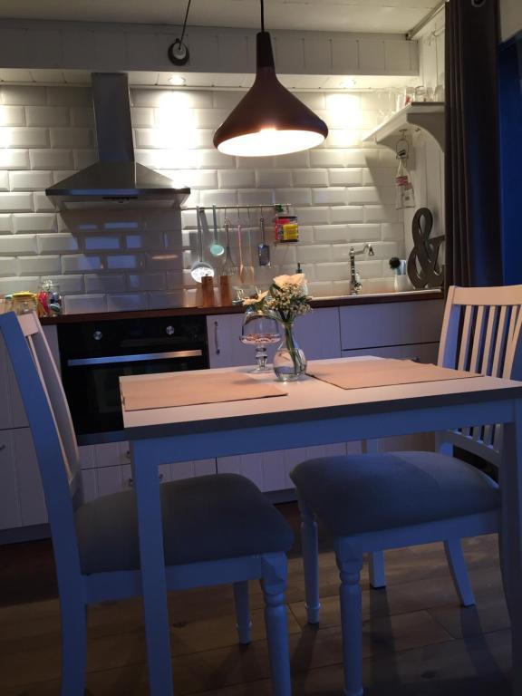 Küche/Küchenzeile in der Unterkunft Chez Sven Apartment Lohn