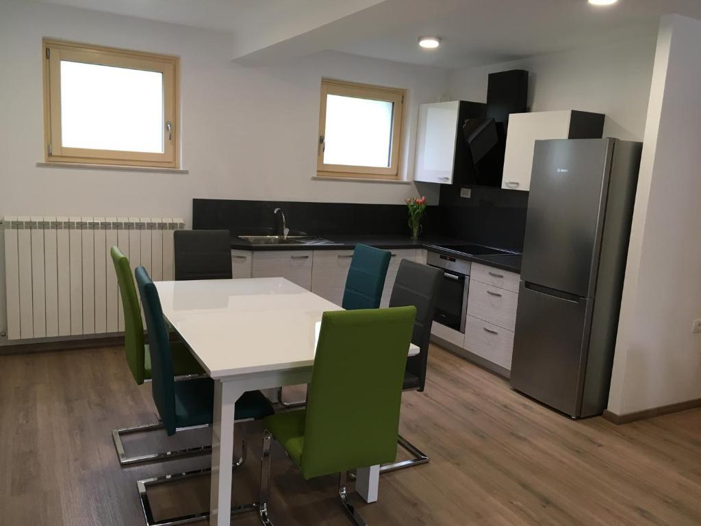 Kuhinja oz. manjša kuhinja v nastanitvi Apartment Lapanja