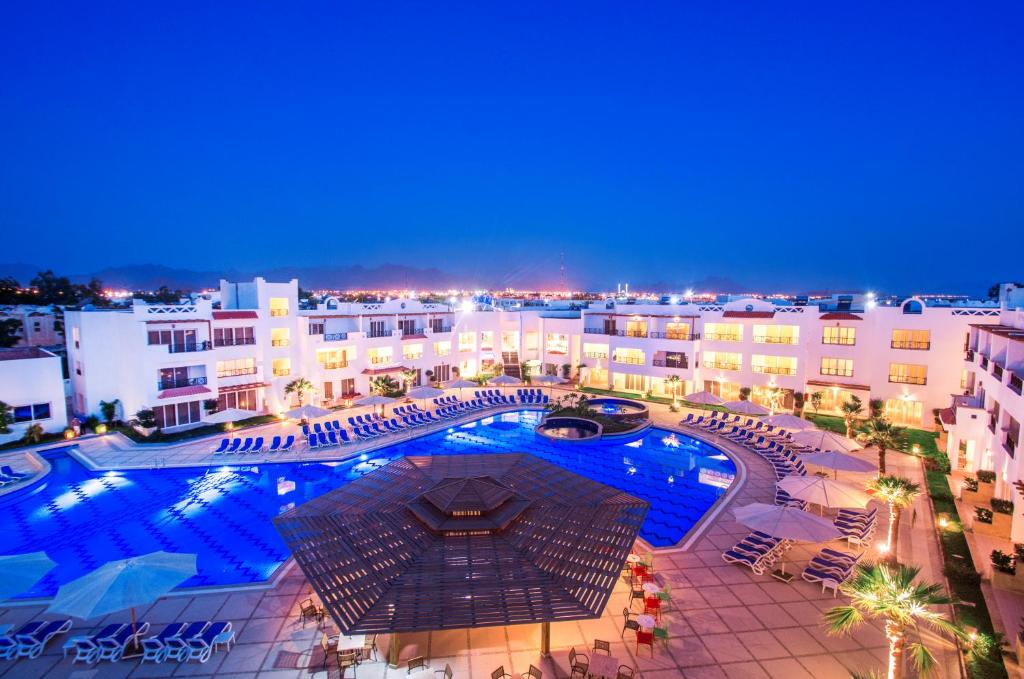 A view of the pool at Old Vic Sharm Resort or nearby