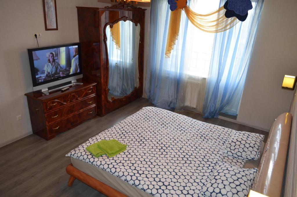 A bed or beds in a room at Karolinenhof