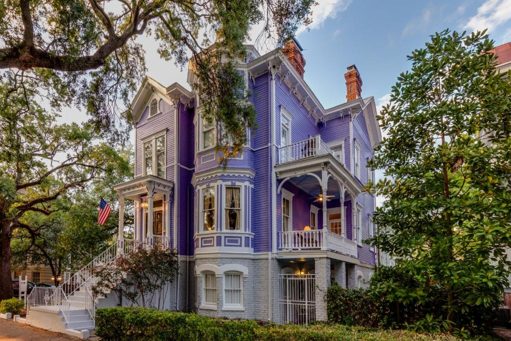 Bed And Breakfast Amethyst Garden Savannah Ga Booking Com