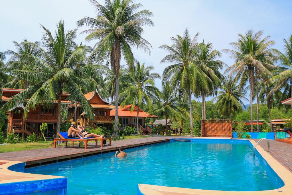 The Ford Sunset Beach Resort Wok Tum Thailand Booking Com