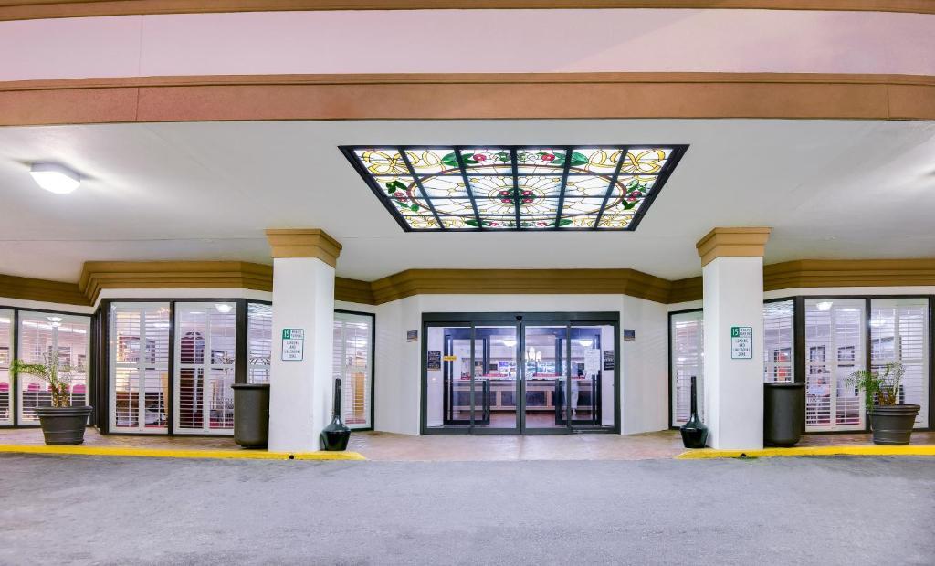 Ramada Metairie New Orleans Airport