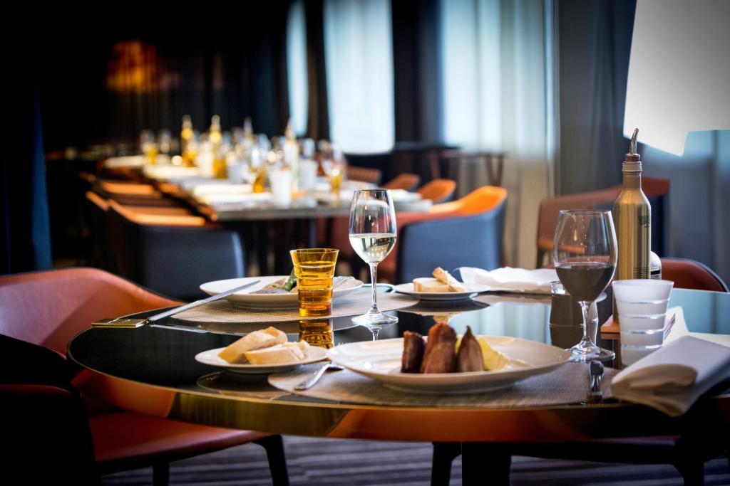 Pullman hotel london speed dating