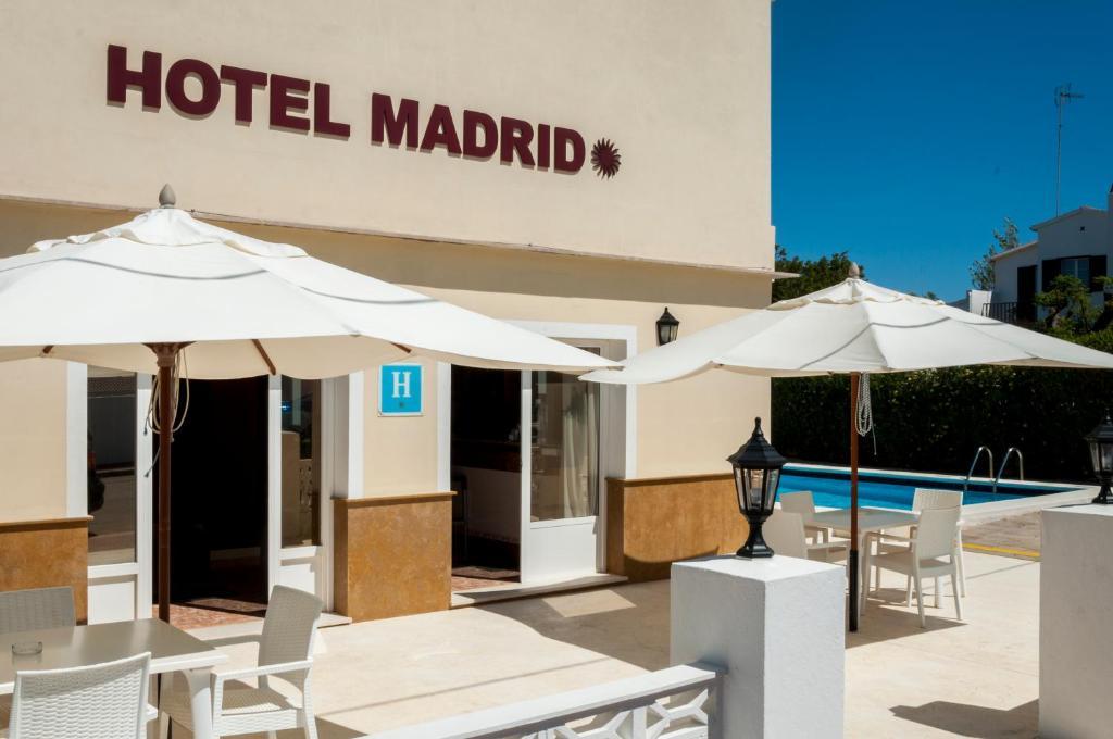 A piscina em ou perto de Hotel Madrid