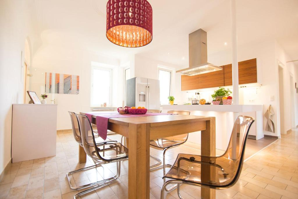 A kitchen or kitchenette at Gunther49