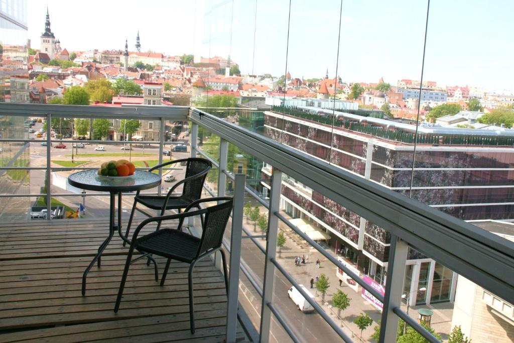 Rõdu või terrass majutusasutuses Adelle Apartments