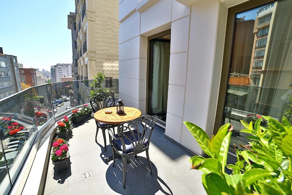 Балкон или терраса в Adelmar Hotel Istanbul Sisli