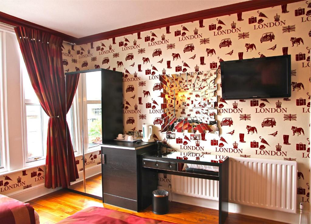 Crompton Guest House
