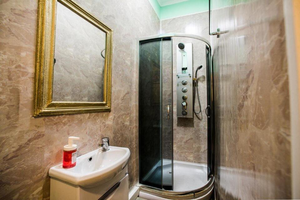 Ванная комната в Хостел Радужный