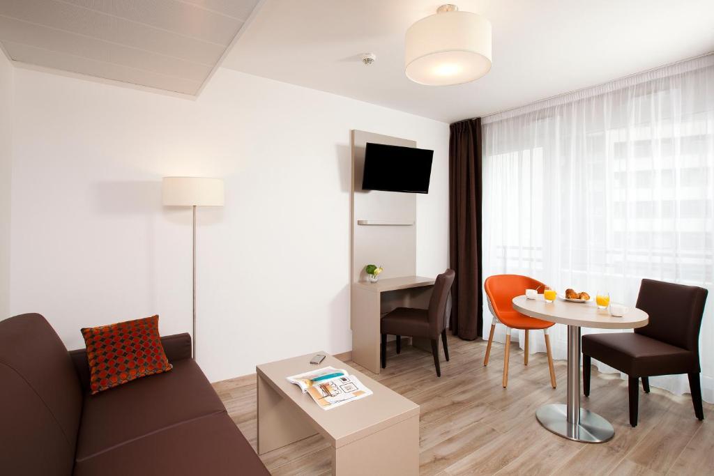 Condo Hotel Residhome Paris Rosa Parks France Booking Com